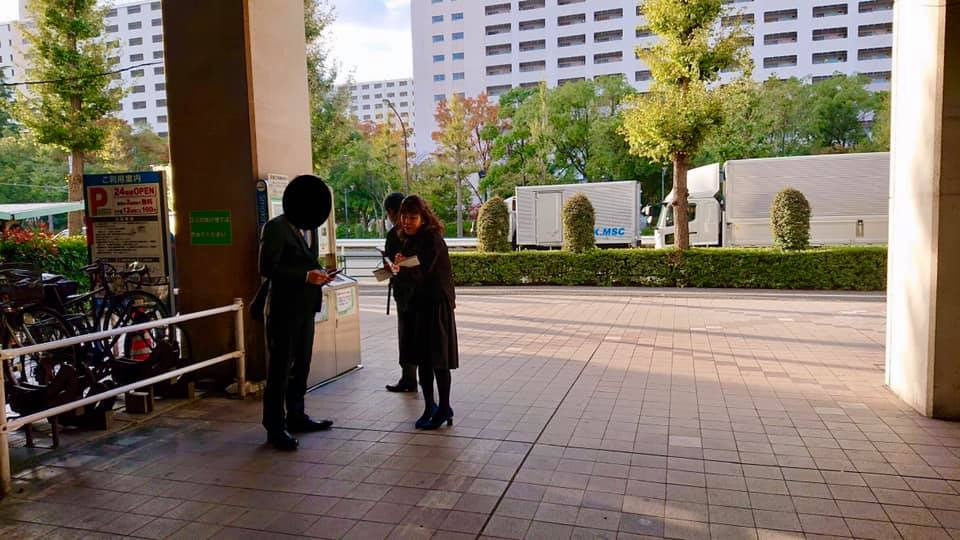 高島平駅の開放型喫煙所を利用された方へインタビュー調査を行いました。